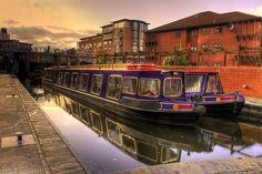 Narrowboats on the Birmingham Canal, Birmingham, UK Birmingham Canal, Birmingham City Centre, Birmingham England, Birmingham Alabama, Canal Barge, Canal Boat, Wolverhampton, Coventry, Narrowboat