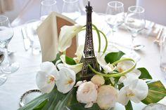 centre-table-tour-eiffel-orchidee-mariage-reflets-fleurs