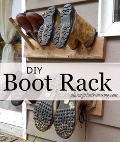A DIY boot rack is necessary for all farms and homesteads worldwide. This easy to construct DIY boot hanger will keep footwear dry and organized. Home Projects, Home Crafts, Diy Crafts, Boot Storage, Porch Storage, Closet Storage, Kitchen Storage, Boot Rack, Muck Boots