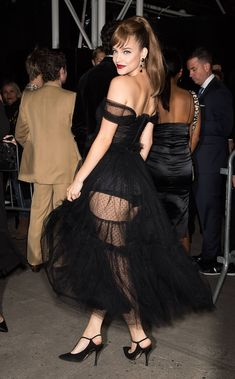 """odel Barbara Palvin is seen arriving to Harper's BAZAAR Celebrates """"ICONS By Carine Roitfeld"""" At The Plaza Hotel Presented… Barbara Palvin, Img Models, Kendall Jenner Outfits, Brunette Beauty, Cute Skirts, Sensual, Victoria Secret Swim, Sexy Legs, Sexy Dresses"""