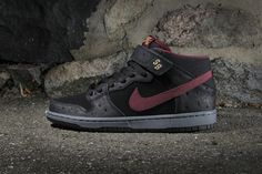 Nike SB Dunk Mid Pro Black Light Graphite-Cherrywood Red (Hypebeast) ab32f5e3b