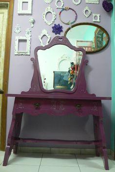 Ateliando - Customização de móveis antigos: Galeria Penteadeiras Antigas    Penteadeira Princess