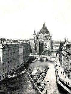 Spree River, Berlin, 1900.