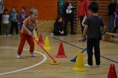 Mikulášská besídka týmů Micro sklidila opět velký úspěch Pe Games, Games For Kids, Gym, Motor Skills, Basketball Court, Sports, Pranks, Games, Activities