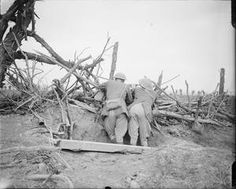 WWI, Oct 1916, Somme, Battle of Transloy Ridges. Royal Artillery Officers at the observation post at High Wood. © IWM