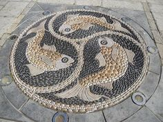 This pebble mosaic in Swanage, Dorset, was made by Maggy Howarth, and is in The… Pebble Mosaic, Stone Mosaic, Pebble Art, Mosaic Art, Mosaic Glass, Mosaic Tiles, Mosaic Crafts, Mosaic Projects, Garden Paths