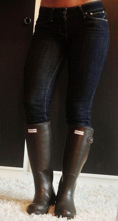 Wellies Rain Boots, Hunter Boots, Rubber Rain Boots, Pants, Shoes, Fashion, Trouser Pants, Moda, Zapatos