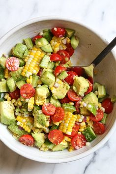 This Corn Tomato Avocado Salad is summer in a bowl! The perfect side dish with a… This Corn Tomato Avocado Salad is summer in a bowl! The perfect side dish with anything you're grilling, or double the portion as a main dish. Skinny Taste, New Recipes, Whole Food Recipes, Cooking Recipes, Detox Recipes, Summer Recipes, Recipies, Corn Recipes, Family Recipes