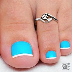 Want some ideas for wedding nail polish designs? This article is a collection of our favorite nail polish designs for your special day. Read for inspiration Pretty Toe Nails, Cute Toe Nails, Toe Nail Art, Acrylic Nails, Coffin Nails, Short Nail Designs, Toe Nail Designs, Nail Polish Designs, Art Designs