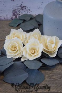 How to make Wood flowers decorations - diy the easy way. CuriousCountryCreations.com #woodflowers #solaflowers