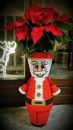 Festive Crafts, Easy Christmas Crafts, Christmas Projects, Christmas Decorations, Christmas Wreaths, Flower Pot Art, Clay Flower Pots, Flower Pot Crafts, Clay Pot Projects