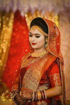 Fulfill a Wedding Tradition with Estate Bridal Jewelry Bengali Bridal Makeup, Bengali Wedding, Bengali Bride, Saree Wedding, Bridal Makup, Bengali Saree, Marathi Bride, Bridal Beauty, Indian Bridal Photos