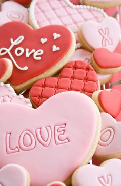 Valentine heart cookies with fondant
