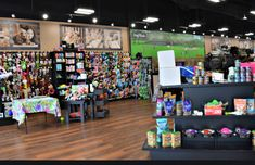 Pet Valu is one of the famous Pet store in sheridan homelands. They are pet lovers, trainers, and behaviorists. They are popular for services of self serve dog wash in sheridan homelands. Dog Wash, Self Serve, Pet Lovers, Pet Grooming, Pet Store, Homeland, Trainers, Popular, Pets