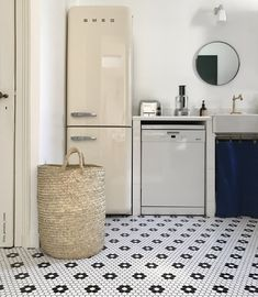 sfgirlbybay / bohemian modern style from a san francisco girl Sfgirlbybay, Smeg, Bohemian Modern Style, English Country Decor, Vintage Interiors, Vintage House, Cream Bathroom, Black And White Tiles, Smeg Refrigerator