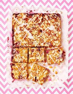 No picnic should be without cake, but sometimes wrestling with a tricky-to-transport layer cake can leave you feeling grumpy rather than gratified. The solution? Traybakes! Traybakes and cake bars are super easy to transport, normally easier to make a…
