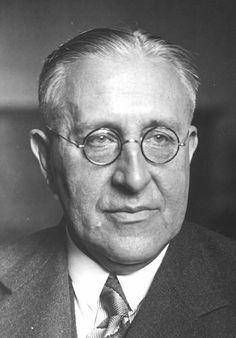 Victor Hess (1883-1964)  Physicist, Nobel Prize 1936, immigrated 1938  Physiker, Nobelpreis 1936, eingewandert 1938  (ÖNB)