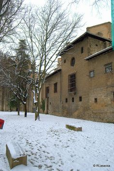 Ronda del Obispo Barbazán, Pamplona by Rufino Lasaosa, via Flickr
