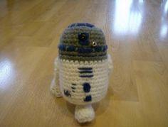 R2D2 Doll Crochet Pattern