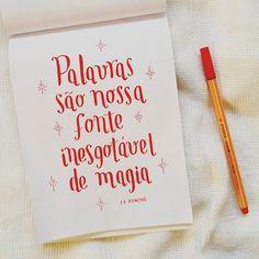"""""""Palavras são nossa fonte inesgotável de magia"""" ✨  #quote #lettering #frase #jkrowling #harrypotter #stabilo88"""