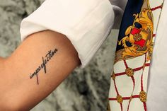 Visual Fashionist: Tatuarsi fa male ed altre cose da sapere prima di decidere di farlo: VLOG http://visualfashionist.blogspot.it/2014/07/tatuarsi-fa-male-ed-altre-cose-da-sapere-prima-di-tatuarsi.html