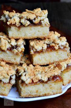 Lintzer cu gem de caise si nuca - CAIETUL CU RETETE Romanian Desserts, Romanian Food, Sweet Treats, Deserts, Food And Drink, Dessert Recipes, Favorite Recipes, Sweets, Snacks