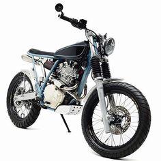 Classy and capable Honda XR650L by @goldghostmotorcycles. : @sleazist_sleaze #xr650 #xr650l #scrambler #tracker