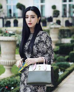 #pfw #LouisVuitton  @bingbing_fan @louisvuitton  #FanBingbing #BingbingFan #范冰冰 #Paris #snapshot #cool #LV #street #Queen #goddess #女神 #China #beautiful #Beauty #amezing #stunning #pretty #perfect