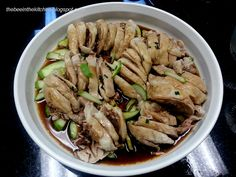 A few months back, there has been a surge of hainanese chicken places all over the metro. They range from the very authentic and slightly e. Hainanese Chicken, Easy Peasy, Bee, Kitchen, Recipes, Food, Honey Bees, Cooking, Kitchens