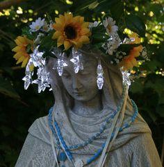 Cloister of the Heart Mary, Statue, Mondays, Garden, Beauty, Garten, Lawn And Garden, Gardens, Gardening