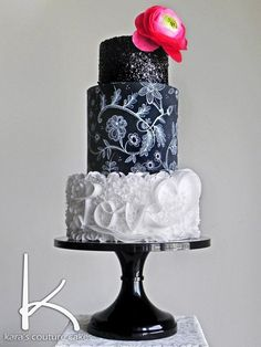 This stunning black and white cake from Kara's Couture Cakes was clearly created with the Black Tie Affair Picture Perfect cake stand in mind. The black stand helps create black white layers that help make this cake pop! Hot Fudge Cake, Hot Chocolate Fudge, Elegant Cake Design, Elegant Cakes, Winter Desserts, Party Desserts, Cupcakes, Cupcake Cakes, Beautiful Cakes
