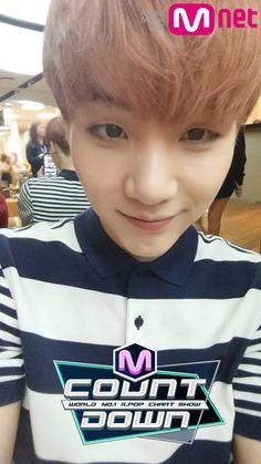 Min Yoongi Suga... My favorite hair color on him ♥