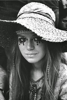 Mulheres do Woodstock de 69 adiantaram as tendências de hoje