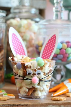Bunny Bait Easter Snack Mix -These fun little treats are sure to make all of your Easter celebrations extraordinary! #easter #recipe #dessert #snack #partyfood