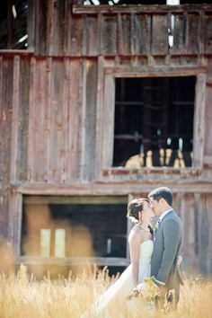 Great wedding pic!