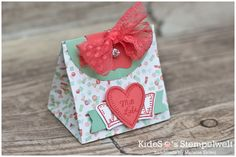 Kleine Geschenktüten schnell gemacht mit dem Stanz- und Falzbrett für Geschenktüten von Stampin' Up!