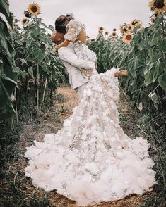 Every girl must have this kind of dream: her dressing in white bride dress, with father taking her hand, a charming bride groom is waiting on the other side of the aisle. It might be perfect without a beautiful bride dress. Since bride dress is … Princess Wedding Dresses, Best Wedding Dresses, Wedding Styles, Gown Wedding, Whimsical Wedding Dresses, Indie Wedding Dress, Celebrity Wedding Dresses, Couture Wedding Gowns, Bling Wedding