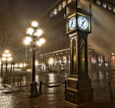The Gastown Steam Clock..... Vancouver, BC, Canada