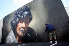Tauranga artist Owen Dippie, has recreated the legendary portrait of Ina Te Papatahi, of Nga Puhi, which was originally painted by Charles Goldie in Street Art Banksy, Graffiti Wall Art, 3d Street Art, Installation Street Art, Maori Designs, Nz Art, Art Deco, Maori Art, Amazing Street Art