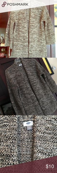 Women Medium Open Front Brown Black White Sweater It's an Old Navy Cotton and acrylic sweater that looks brand new. Bell 3/4 sleeves. Slits on side. Perfect cozy comfy sweater that goes with everything!! Old Navy Sweaters Cardigans