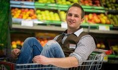 Mike Schöffmann (23) aus Bleiburg ist der jüngste Spar-Filialleiter in Kärnten. Er schwört auf die Lehre mit Matura. Ladder, Career