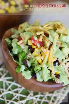 Healthy Taco Salad with Creamy Avocado Cilantro Dressing // The creamy avocado cilantro dressing pairs nicely with the taco salad (almost but not quite resembling a popular restaurant dressing). It's perfectly healthy yet delicious! Healthy Cooking, Healthy Eating, Cooking Recipes, Healthy Recipes, P90x3 Recipes, Healthy Food, Healthy Chicken Tacos, Healthy Tacos, Healthy Lunches