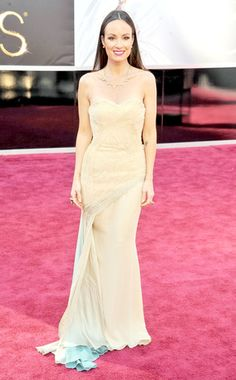 Life with Catt:  How to Pick the Perfect Oscar Dress (Catt Sadler, Oscars 2013)