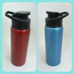Coolers azul, rojo o negro. Venta al mayor y al detal.