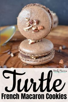 I'm absolutely in love with this Turtle French Macaron Cookie Recipe. So easy--b. - I'm absolutely in love with this Turtle French Macaron Cookie Recipe. So easy–but one of my ver - French Macaroon Recipes, French Macaroons, French Macarons Recipe Flavors, Macaroons Flavors, Fall Desserts, Just Desserts, Delicious Desserts, Gourmet Desserts, Baking Recipes