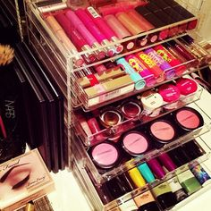 I want all this makeup so bad! I love collecting maybe to try new things and new eyeshadow ideas!