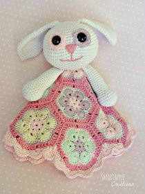Smartapple Creations - amigurumi and crochet: Crochet bunny lovey blanket with african flower motifs