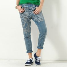 Buy 'YesStyle Z – Star-Print Jeans' with Free International Shipping at YesStyle.com. Browse and shop for thousands of Asian fashion items from Hong Kong and more!