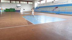 La vecchia pavimentazione del palazzetto di Venegono Superiore