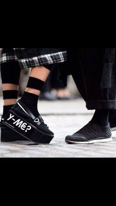 official photos 4ba8c 876cc Y me   Street Style Shoes, Street Style Blog, London Street, Street Goth